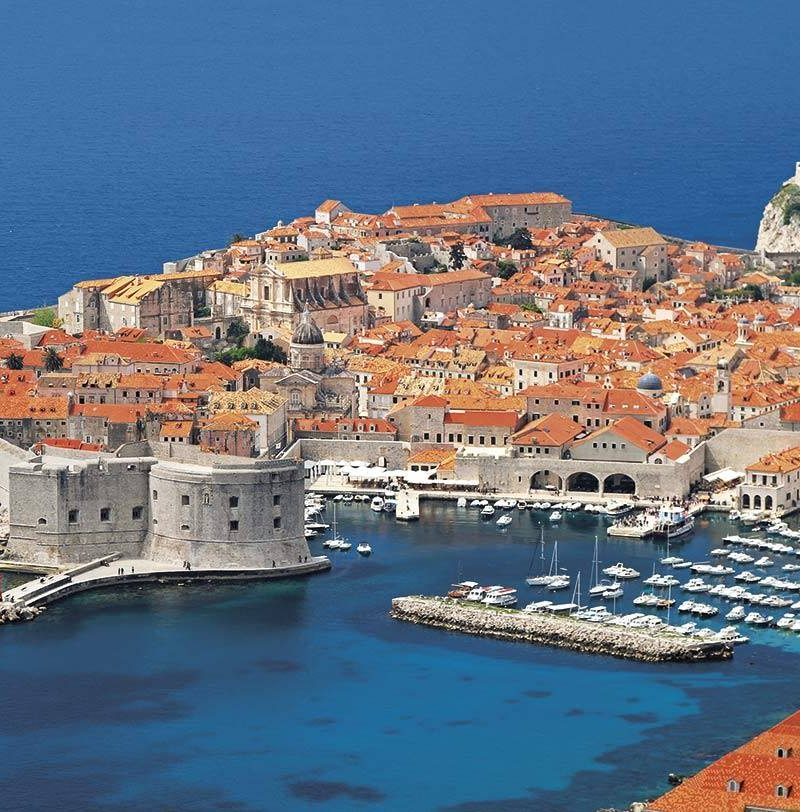 One way sailing from Split to Dubrovnik