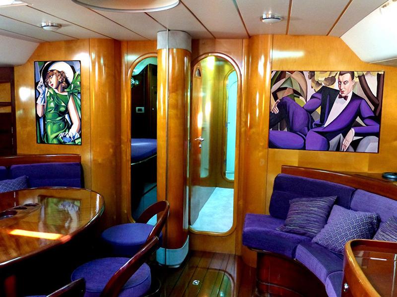 Bogey 1 Yacht Saloon