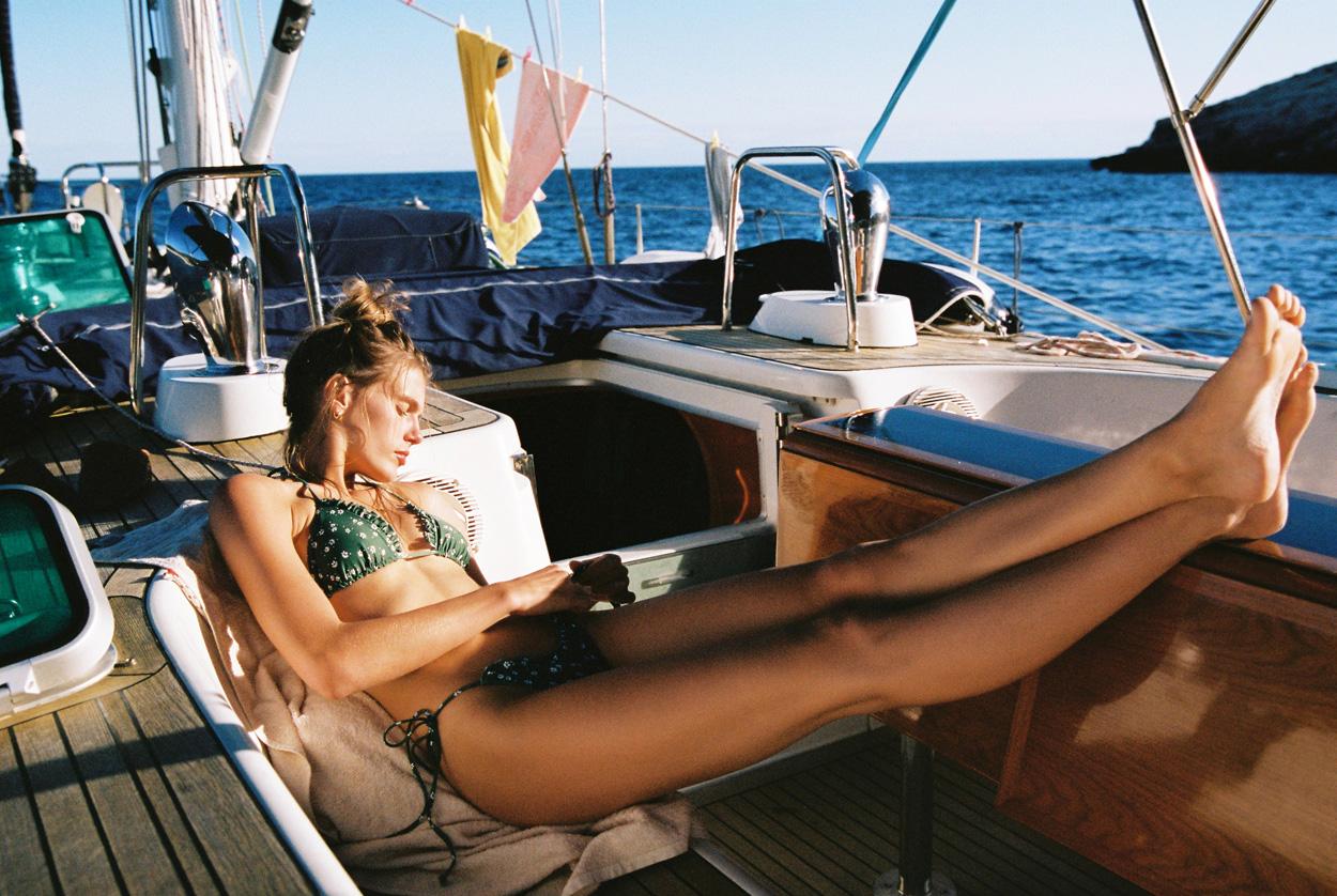 Bogey 1 Sailing Yacht Deac Saloon